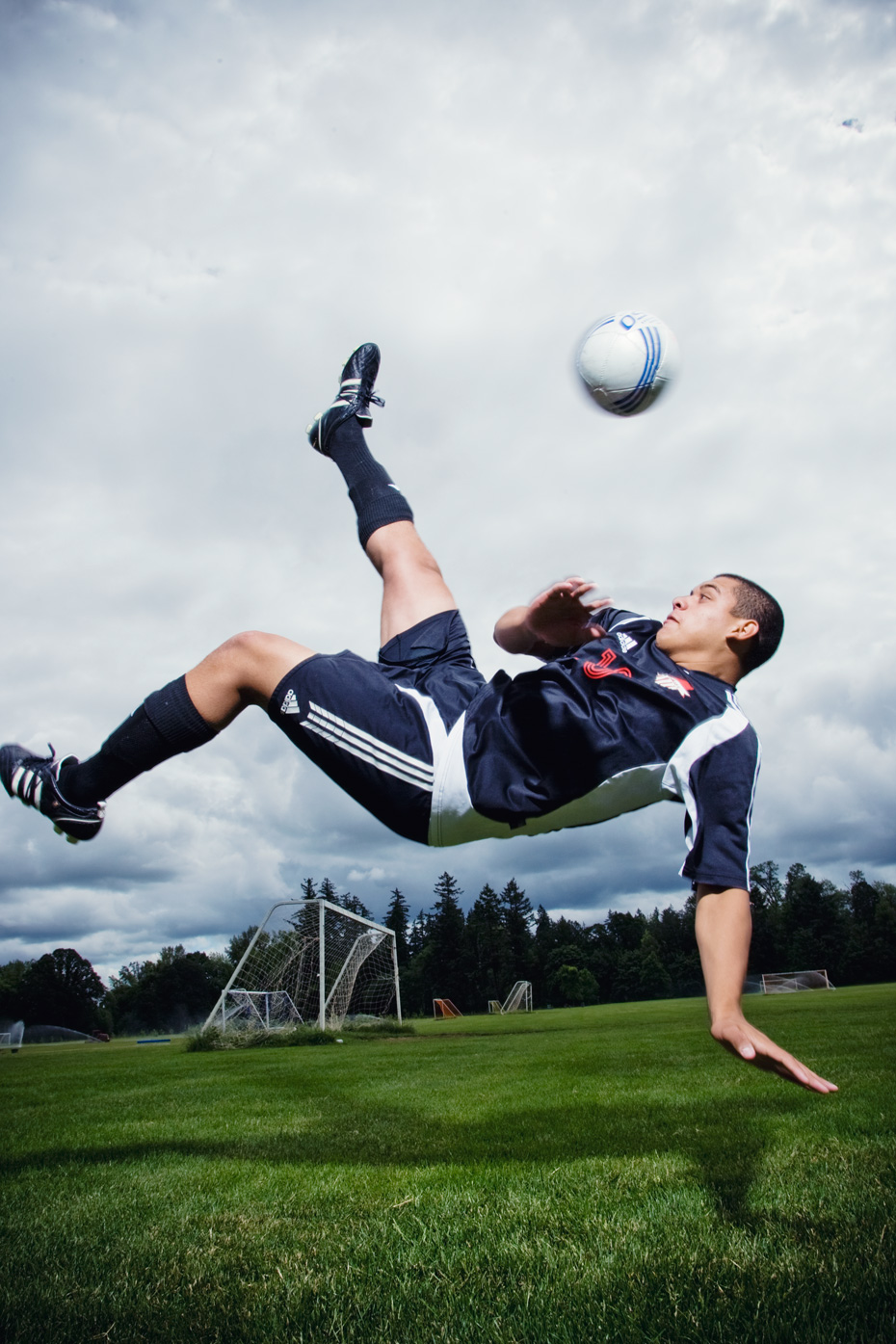 Editorial photographer Portland - soccer player doing a bicycle kick