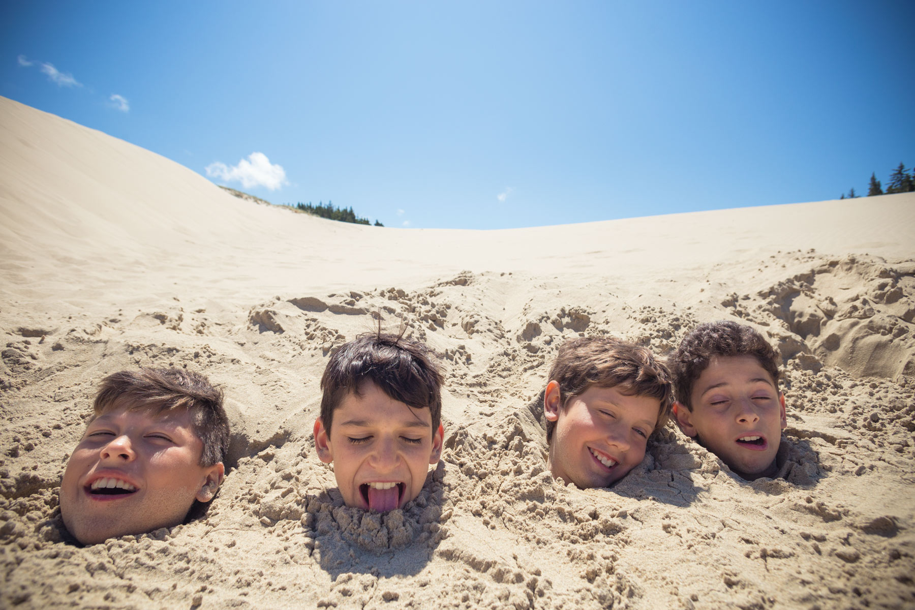 Schmitt_Boys-in-sand