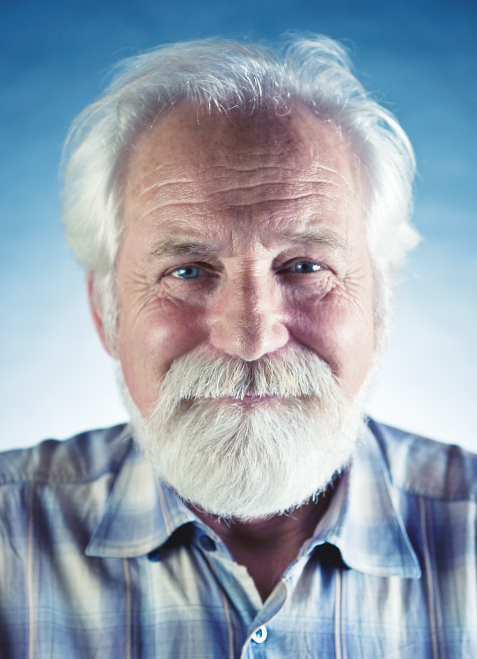 Commercial photographer Portland - old Russian man with blue background